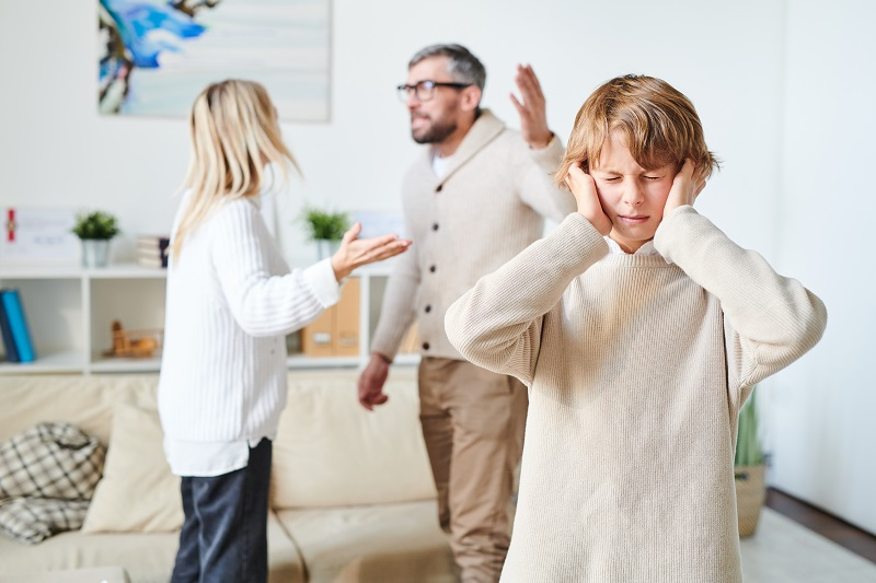 Quem fica com a guarda dos filhos no divórcio?