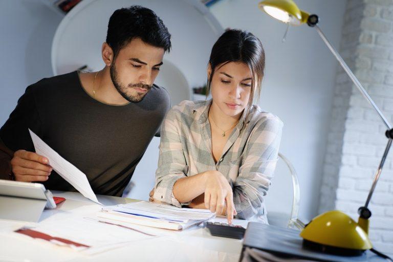 O que acontece com as dívidas do casal após o divórcio?